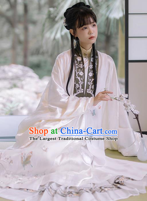 China Ancient Court Woman White Hanfu Dress Traditional Ming Dynasty Nobility Lady Historical Costumes Full Set
